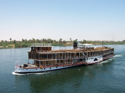 Nile cruise Nasser lake